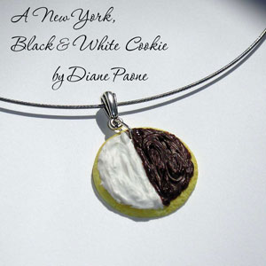 B&W Cookie necklace